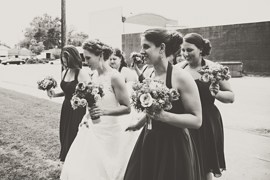 bridesmaids and boquets